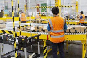 Amazon Empleados Almacén Fábrica