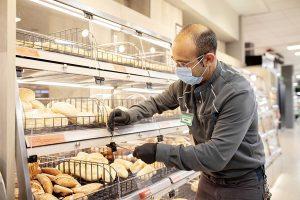 Mercadona Supermercado empleado mascarilla recurso