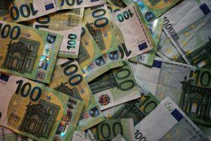 Dinero recurso euros billetes