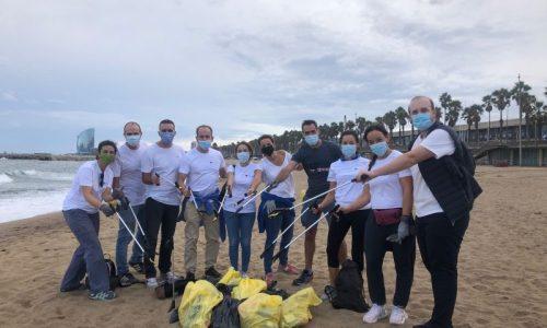 AXA Solidaridad recogida basura
